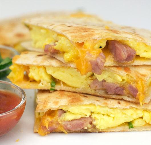 7 завтраков для тех, кто обожает сыр.