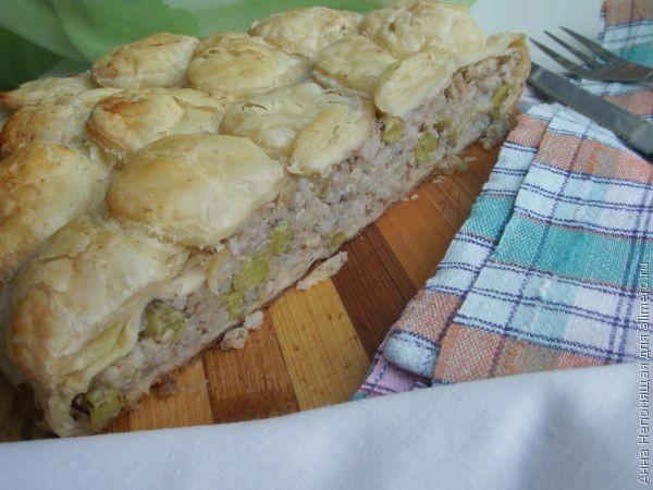 Пироги из слоёного теста рецепты с с рыбной консервой
