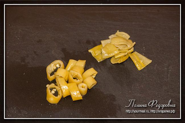 Закуска из колбасы со сливочным сыром
