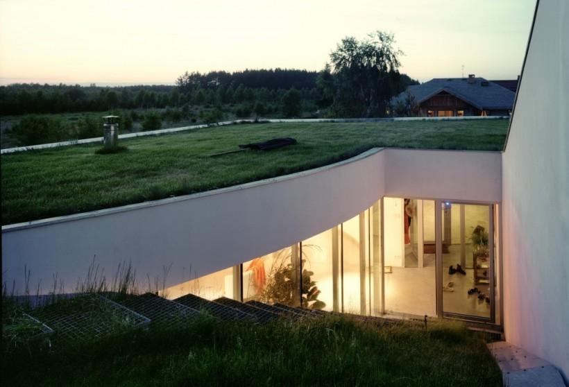 Дом с травяной крышей, Ксёнжице, Польша