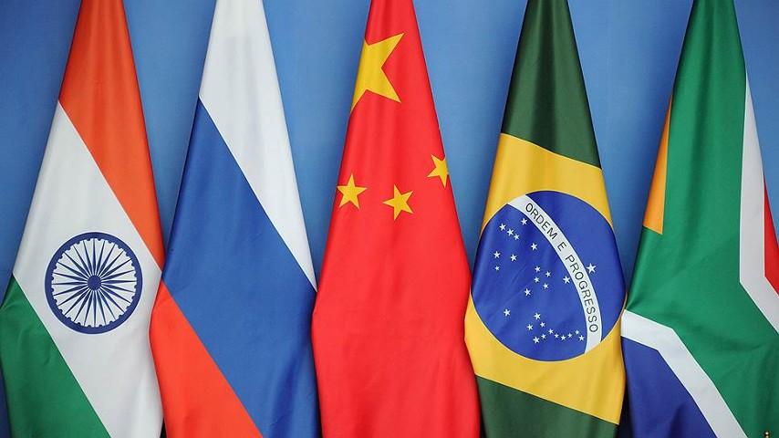 Лидеры БРИКС обсудят торговую войну США и Китая