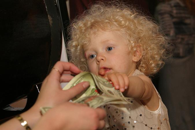 Дети богачей не церемонятся с наследством