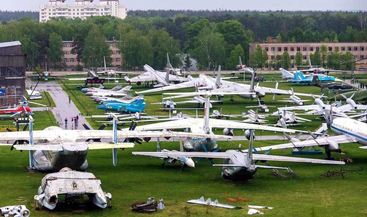 Какие авиационные реликвии могут быть утеряны при переезде экспонатов музея в Монино?