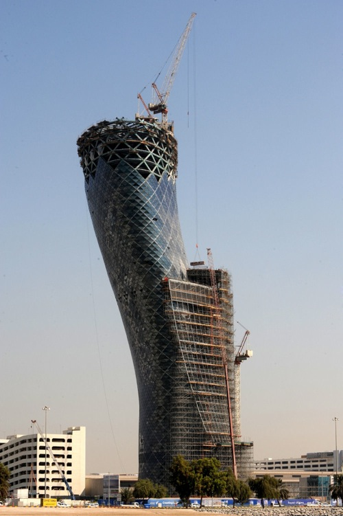 capital_gate_abu_dhabi_construction06.jpg