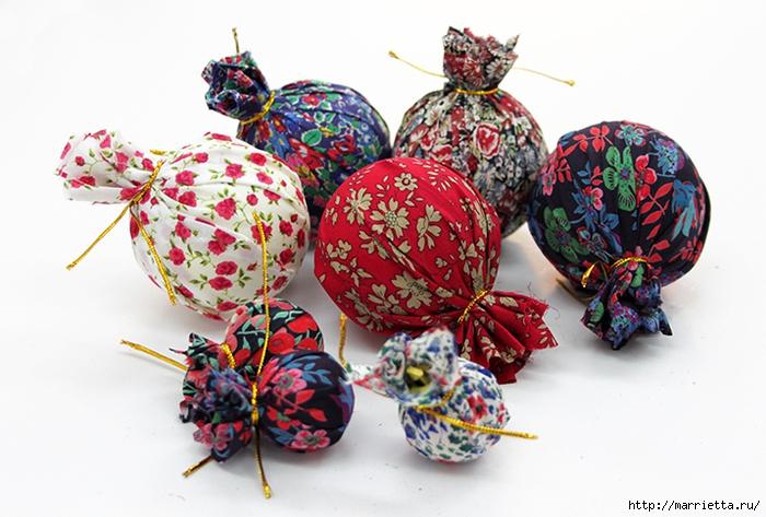 Новогодние венки из елочных шаров (14) (700x473, 262Kb)