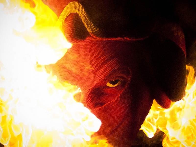 10128 Гори оно огнем   как горит дьявол из спичек