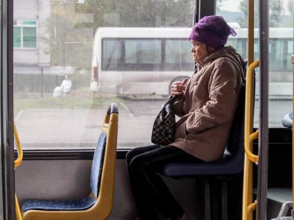 В общественном транспорте Се…