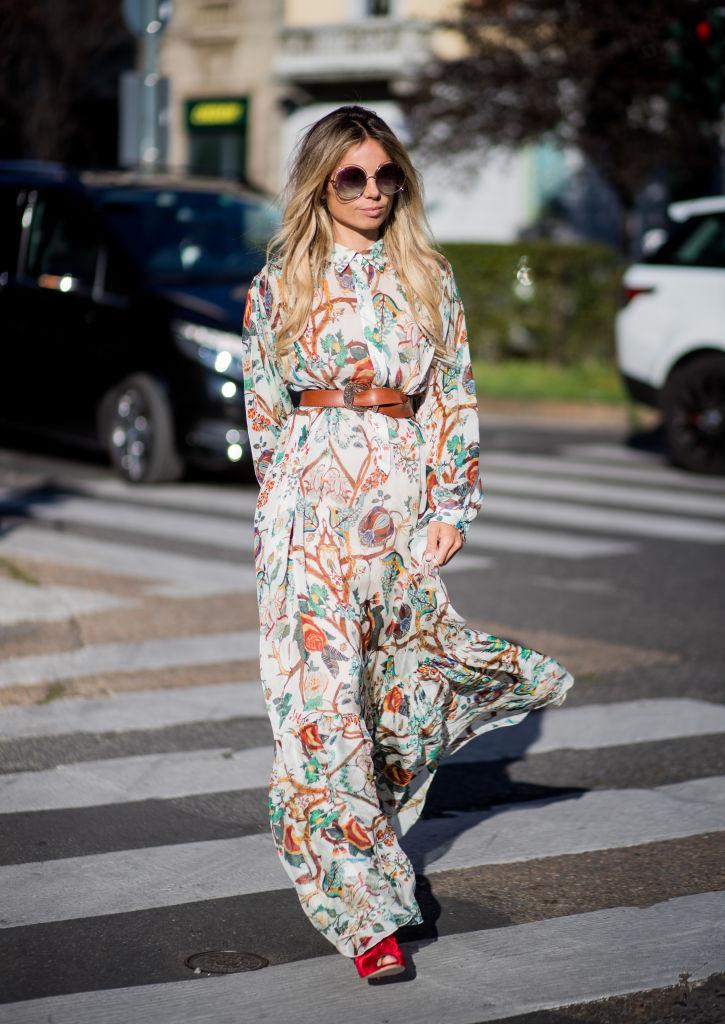 платье с длинным рукавом 2018