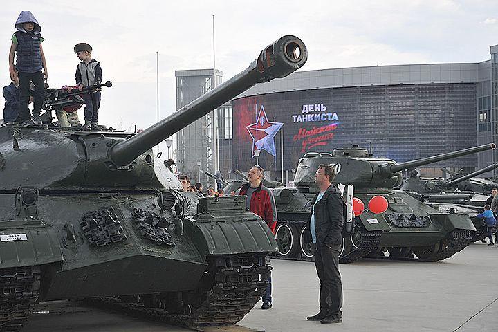 Больше 12 тысяч человек отметили День танкиста вместе с игрой World of Tanks