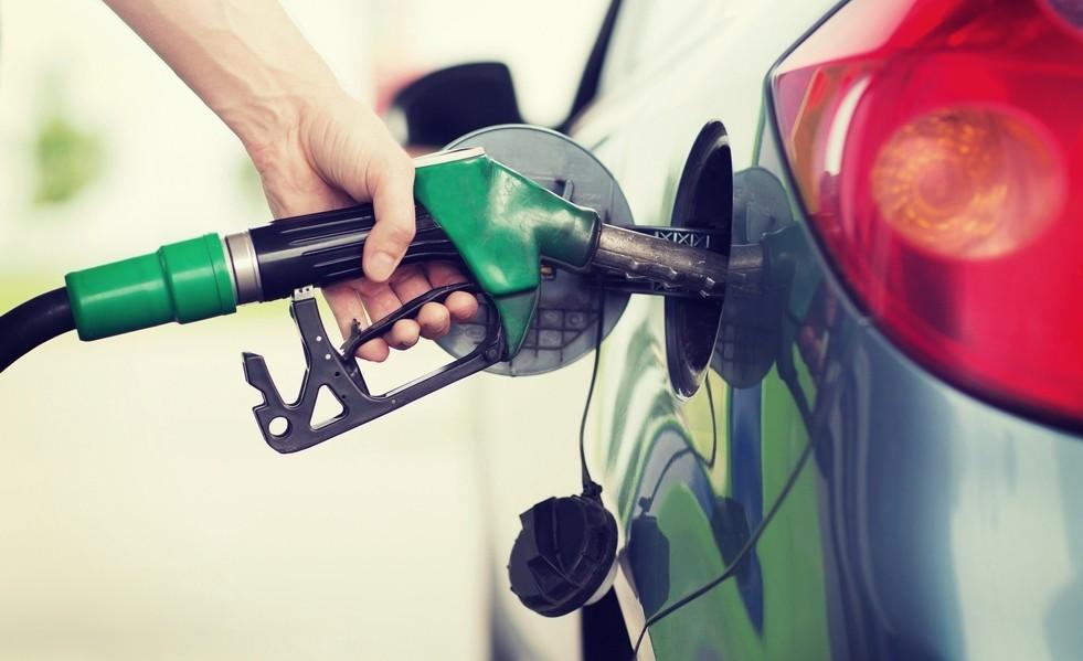 «Лить ли АИ-98 вместо АИ-95?» и другие заблуждения о бензине