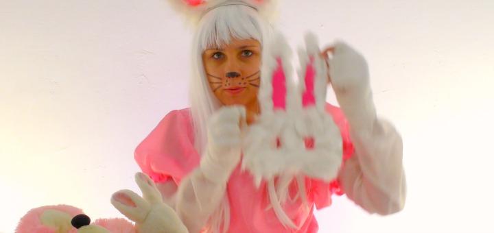 Киска - Сюрпризка. Делаем маску зайчонка из бумаги и ваты. Поделки для детей.
