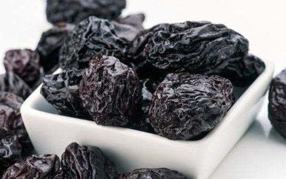 ТОП 5 полезных свойств чернослива