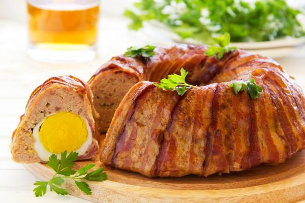 Мясной хлебец в беконе