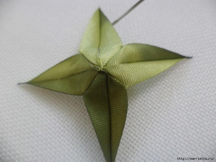 Миниатюрные цветы из ленточек. Мастер-классы (28) (700x525, 184Kb)