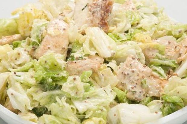 салат с курицей и грибами и капустой