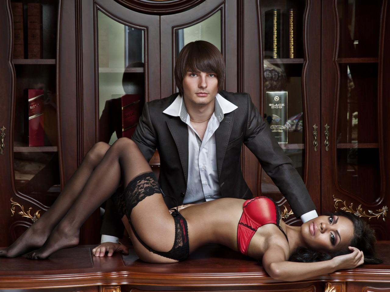 Секс на рабочем месте россия 21 фотография