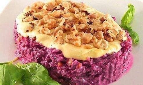 Салат из свеклы и орехов - простой, вкусный и полезный!