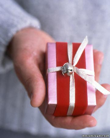 бумага для оформления подарков