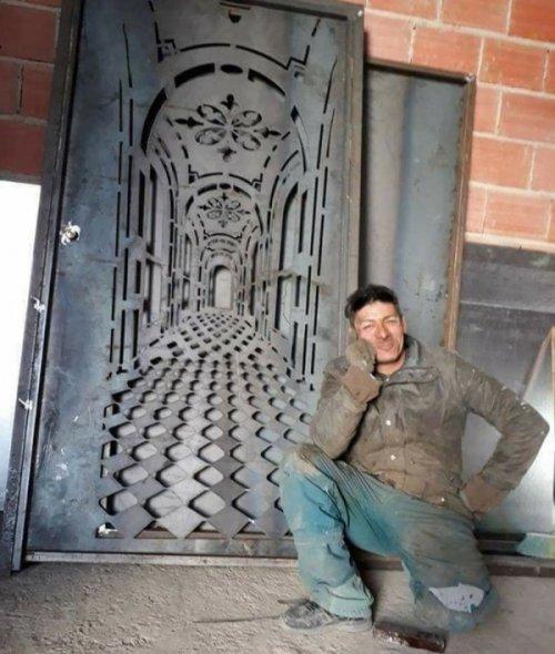 Железная дверь с невероятным…