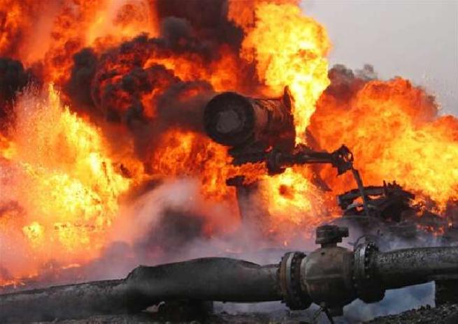 При взрыве трубопровода на территории Мексики погибли десятки человек