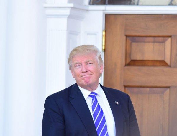 Трамп бьет тревогу: Россия добилась хаоса и раскола США