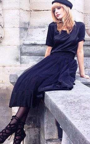 Модные блоггеры из Франции  научат всех желающих, как выглядеть настоящей француженкой