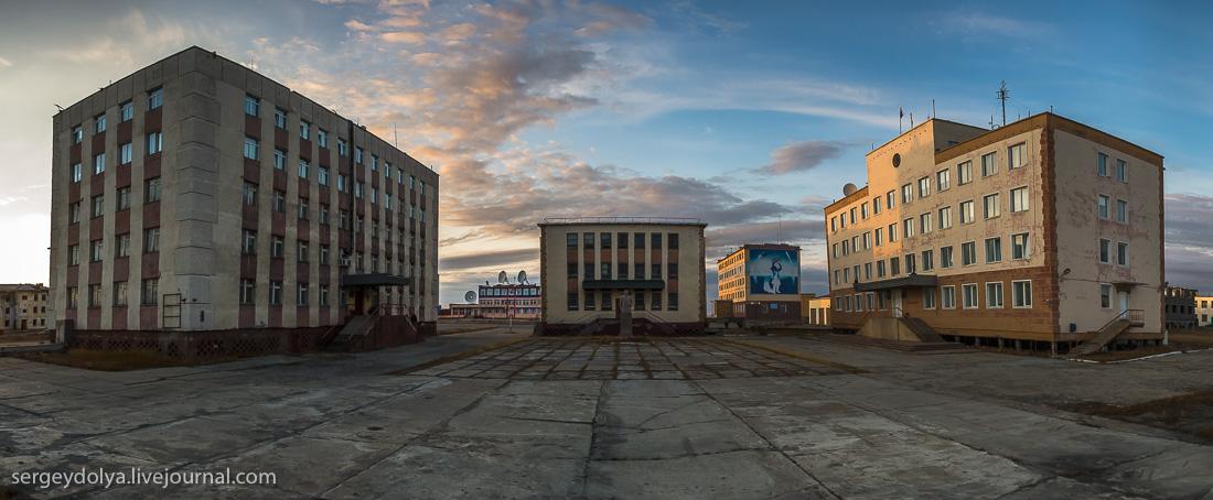 Чем выживает самый северный порт России