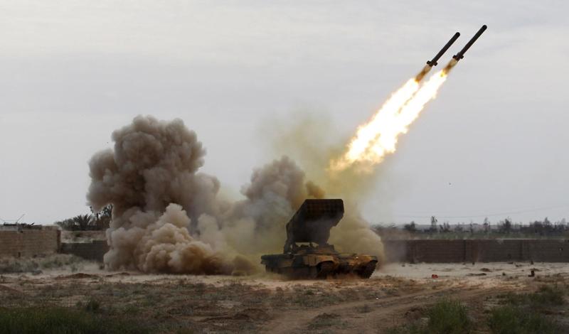Саудовские военные ощетинились новым оружием, на которое было потрачено миллиарды долларов. Наследному принцу требовалось доказать свою храбрость не только возможным соперникам, но и сторонникам.