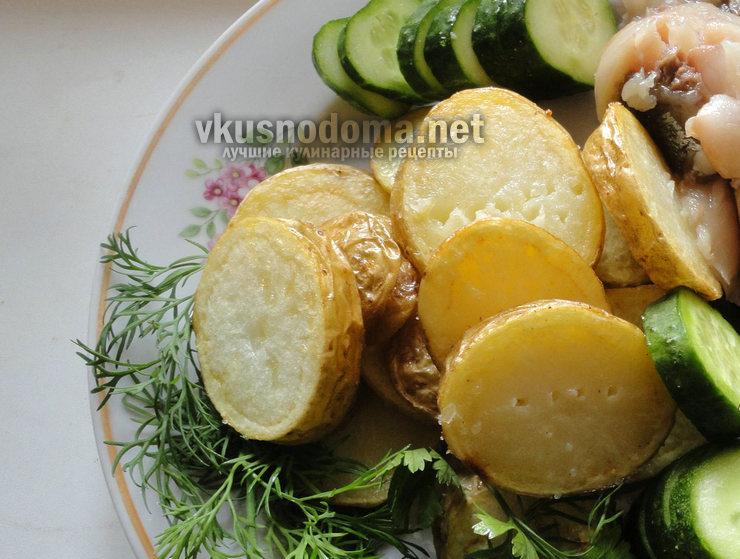 Картофель жареный с огурцами