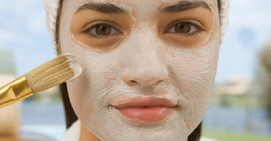 Применяйте эту маску из пищевой соды и яблочного уксуса в течение 5 минут ежедневно и наблюдайте за результатами: ваши пятна и прыщи исчезнут, как по волшебству!