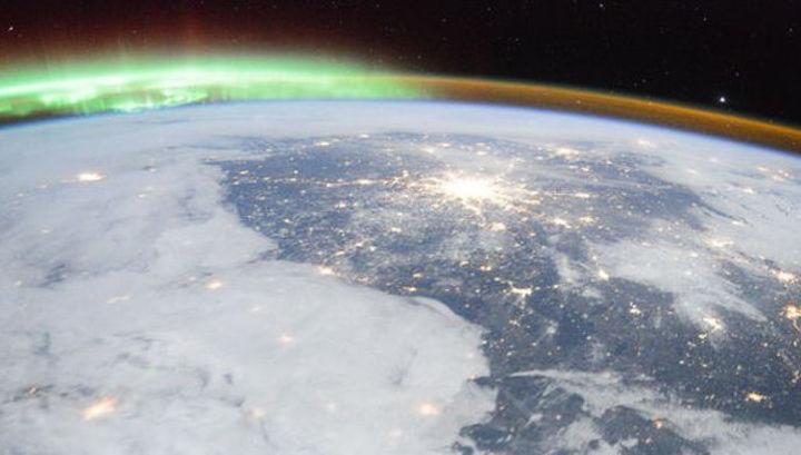 Российские космонавты заснял…