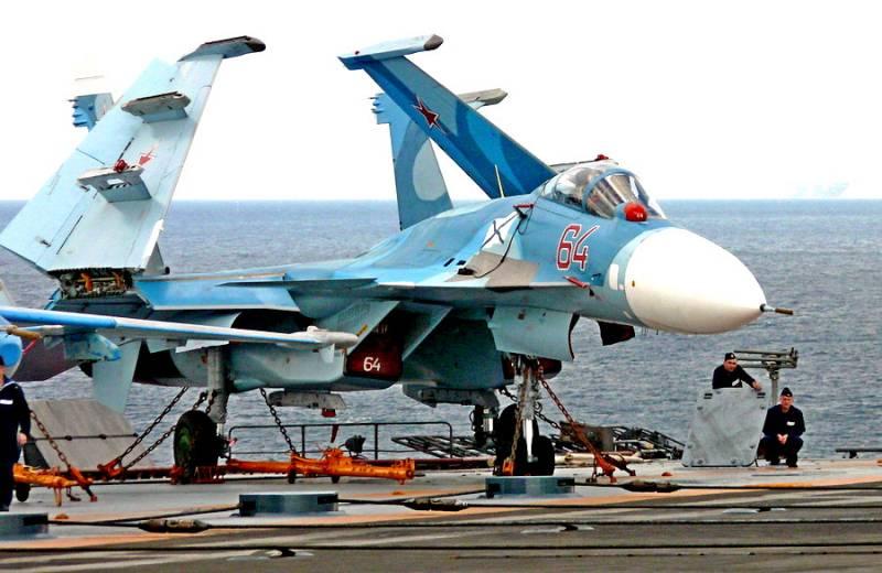 Палубный истребитель Су-33. Инфографика
