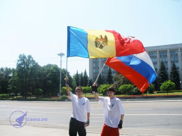 Президент Молдавии поздравил соотечественников-россиян спраздником
