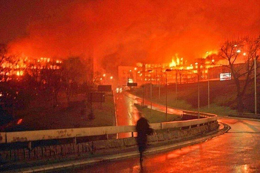 Американский посол призвал сербов «шире смотреть» на бомбежки НАТО