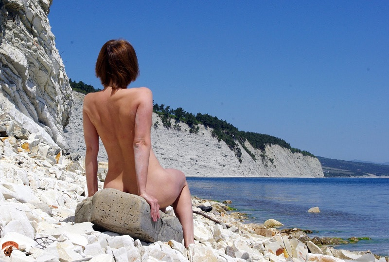 Порно фото голих раком дикий пляж крым фото 280-240
