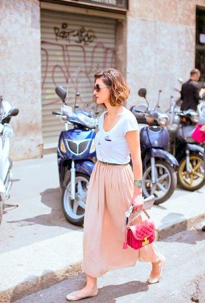 Сделайте юбку комфортнее за счет удобной обуви и длины