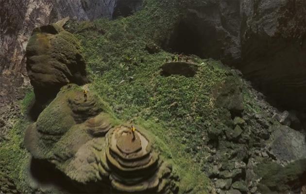 Видео-спелеология: беспилотник в самой большой пещере планеты