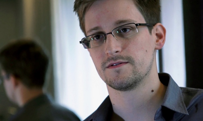 Сноуден раскритиковал Россию за ограничение интернета и отношение к геям