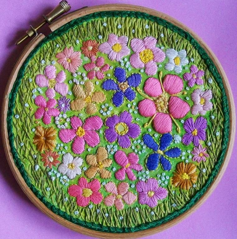 Цветочные сады на пяльцах