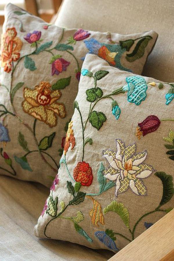 Для уюта и сладких снов — милые подушечки с вышивкой