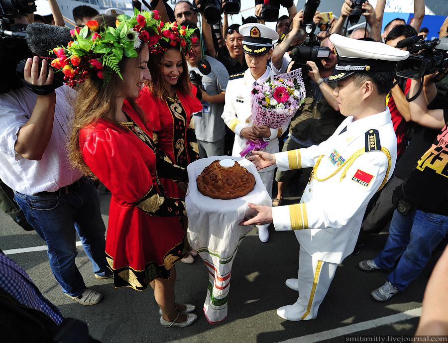 Отряд кораблей ВМС КНР прибыл во Владивосток для участия в совместных учениях