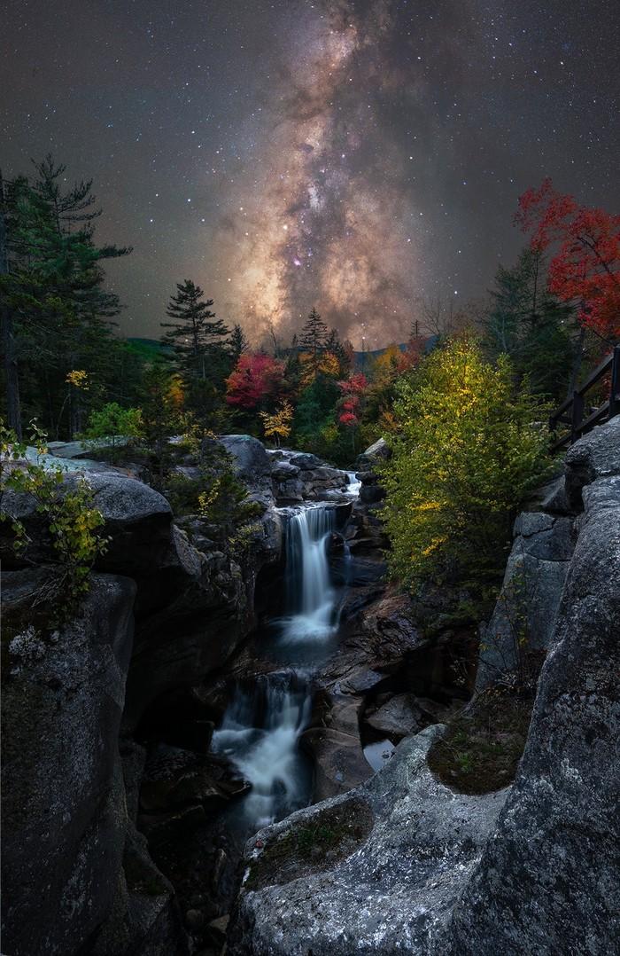 Установка Млечного Пути за западным водопадом Мэна