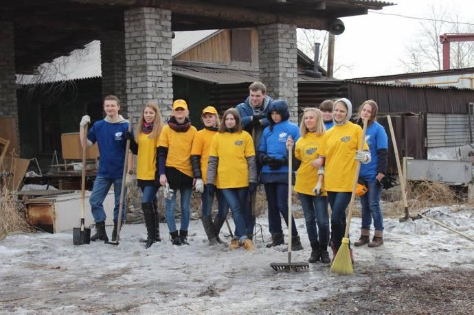 Челябинские волонтеры помогают строить первый на Урале приют для диких животных