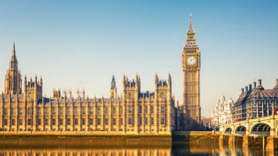 Лондонцы встретили речь Елиз…