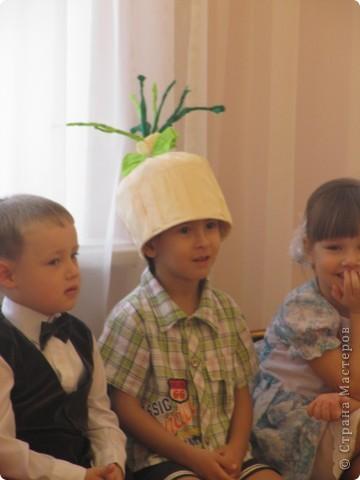 Поделка, изделие Бумагопластика: Шляпки для овощей Бумага гофрированная Праздник осени. Фото 4
