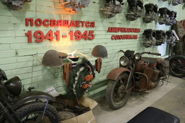 Клуб старинных мотоциклов Санкт-Петербурга. Мемориал войнам мотоциклистам.