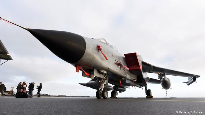 Военный самолет Торнадо