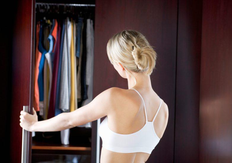 10 опасных для здоровья вещей в гардеробе женщины