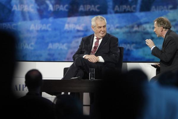 Президент Чехии считает, что американцы повторяют ошибки бронтозавров