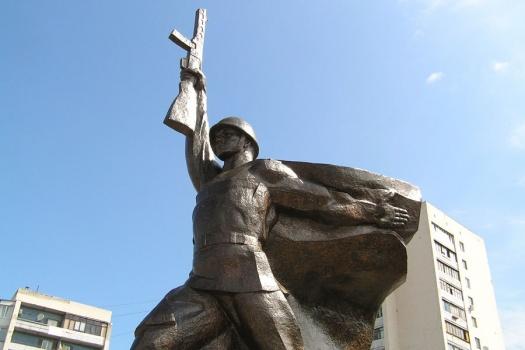 В Венгрии разрушен советский мемориал времен Великой отечественной войны.